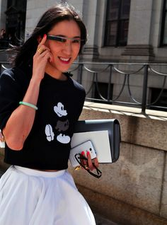 google glass at spring 2014 #nyfw (eva chen of lucky mag)