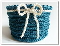 """Free pattern for Made in K-town's """"Blow-Flow Christmas Bowl""""...cute anytime of the year!"""