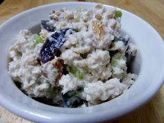 Healthy Chicken Salad from Cookin' Cowgirl!  3 C cooked chicken breast,  1 C non-fat plain Greek yogurt,  1 C purple grapes, quartered,  Fresh lemon juice from 1/2 lemon,  3/4 C walnuts, chopped