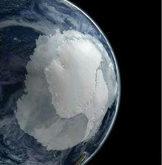 WOW,  Antarctica gezien van uit de ruimte!