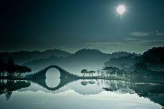 Breathtaking Photos Of The Moon Bridge In Taipei, Taiwan