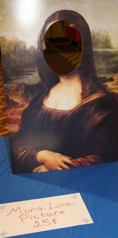France Booth - Mona Lisa Display fun photo op idea #World Thinking Day
