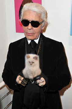 Karl Lagerfeld w/ his beloved (& adorable) Choupette.