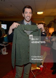Television personality Drew Scott attends the Backstage Creations... News Photo 455047595 | Getty Images