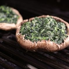 Grilled cheesy spinach stuffed portabellas, low calorie, healthy, light, delicious!