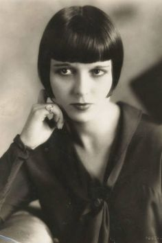 Beautiful bangs icon: Louise Brooks, 1925