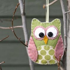 """Art felt owl ornament. would be cute just as a stuffed animal though, perhaps? link to tutorial. another post on the site (under """"fantastic felt"""") shows other animals you can make activities-for-kids"""