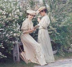two-victorian-women