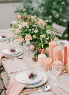 We have listed the perfect in-season summer and spring wedding flowers for your wedding day. With colors that include pink, red, maroon, coral, peach, yellow, blue, green and many more, these centerpieces are sure to inspire your during your wedding planning season. #Wedding #Flowers #Centerpieces #Ideas #Inspiration #Summer #Spring | Martha Stewart Weddings - Stunning Summer Centerpieces Using In-Season Flowers