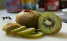 How to Peel a Kiwi... big chanc, little people, macro photography, kiwi, art, nadir big, mini, inspir 187, creativ photographi