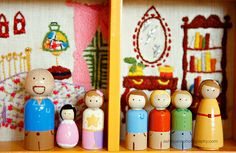 There are a billion things to love about this charming embroidered doll house for peg people!!
