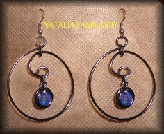 Aros pendientes artesanales de alambre y cuentas . Ver tutorial . handmade Wire hoop earrings . beads https://www.facebook.com/photo.php?fbid=308320592670697&set=a.196968537139237.1073741839.172060006296757&type=1&theater