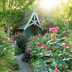 The elements of an English/cottage garden--excellent article--plus great pics!