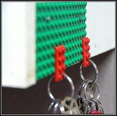 Great way to put those old (or new) #Legos to use...#Lego #key #holder. #Re-purpose, #reuse #DIY #ideas
