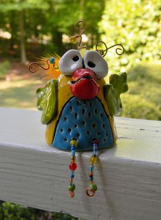 Birds: 5th: Clay (model, pinch) - love the mixed media wire and beading!