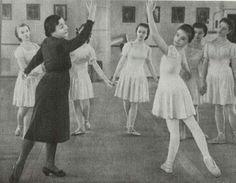 Η Μπαλαρίνα , Μαέστρα Χορογράφος  & Καθηγήτρια χορού, Αγριππίνα Βαγκάνοβα  εν ώρα  Διδασκαλίας