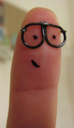 Four eyes finger