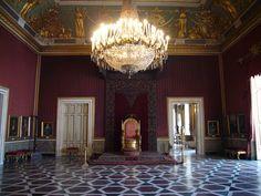 Napoli_Palazzo_reale_-_sala_del_trono_1040734.JPG (2816×2112)
