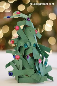 Easy Christmas Craft for Preschoolers ~ Paper Strip Christmas Tree