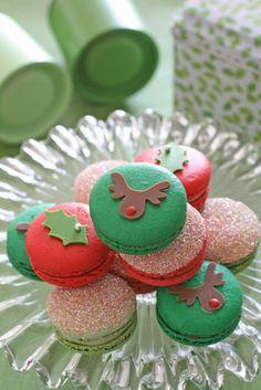 Christmas Macarons | #christmas #xmas #holiday #food #desserts