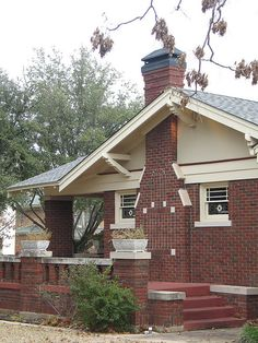 Craftsman Cottage by gnkidd, via Flickr