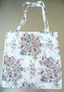 A Handibag From A Pillowcase | AllFreeSewing.com