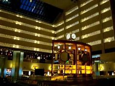 www.hotel-discount.com The Marriott Marquis was a fun place to stay while in Times Square. The elevators were one of a kind. The footage shows some of the trips up and down in the elevators at the Marriott New York Marquis. This video shows some of the footage of the hotel and the elevator rides down. There is also some footage of the room I stayed in right before I checked out.