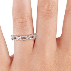 Eternal Twist Diamond Ring in 18K White Gold//