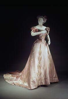 Ball gown- Jean Philippe Worth, 1900. silk,rhinestones.