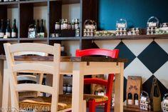 Vigna del colle: balsamic vinegar store in Maranello. Design by Marchi Interior design!