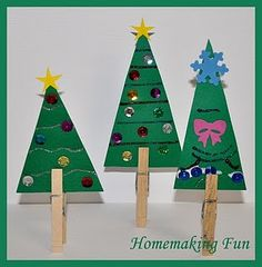 Easy Christmas Tree Craft for how to make a decorate a Christmas tree writing prompt