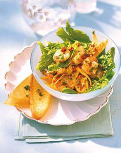 Spinatsalat mit Möhren und Garnelen - Rezepte - [LIVING AT HOME]