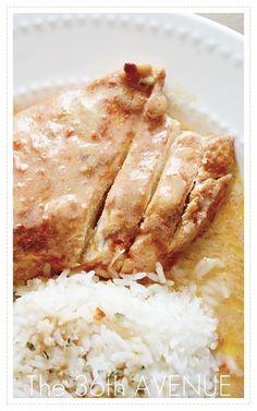 Slow Cooker Fiesta Ranch Chicken... Deliciousness under 5 ingredients. SO GOOD! #chicken #recipes