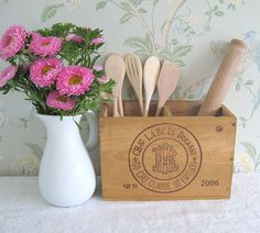 Recycled wooden wine box -storage solution
