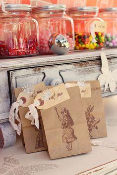 favor bags, gift bags, treat bag, paper bags, party bags, alice in wonderland, goodie bags, wonderland party, parti