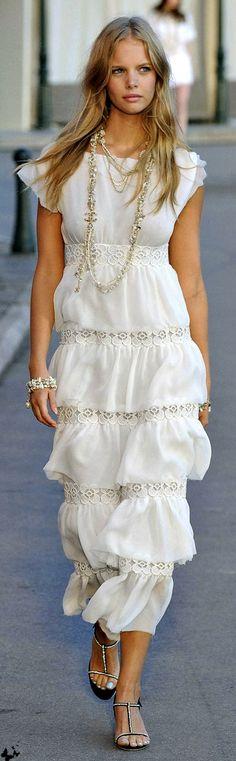 beaches, hot summer days, summer dresses, hair colors, white dress casual