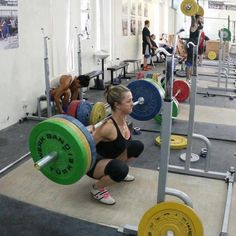 fit women, crossfit strong, fit motiv, squats, healthi, fit peopl, full squat, bodi fit, crossfit shit