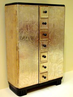 Art Deco Cabinet. Serge Chermayeff, ca 1930