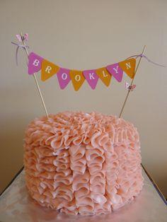 detailed smash cake
