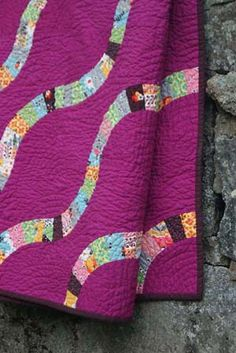 Love this quilt!       My Favorite Quilt: Laura Collins from Little and Lots - Sew Mama Sew