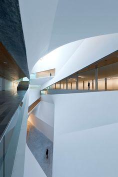 Tel Aviv Museum of Art, Interior Design