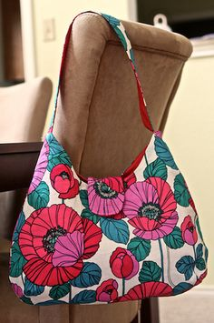 Phoebe Bag Sewing Pattern from artsy-crafty babe