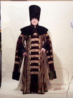 Русские - Санкт-Петеребург, костюмы от Елены Русановой  (my Note: Now THAT's a boyar!  16th C Muscovite.)