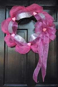 Gorgeous easy Valentines day wreath