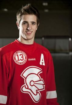 State hockey tournament hero Besse explains why he's staying at Benilde