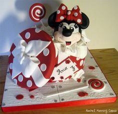 Minnie Mouse Gift Box Birthday Cake