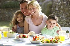 'How to Break Toxic, Unhealthy Eating Patterns in Your Family'