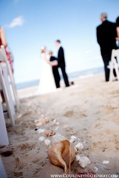 Line the aisle with seashells!
