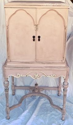 shabby chic, shabbi chic, paint furnitur, pink armoir, antoinette chalk paint, annie sloan pink, armoires repurposed, repurpos shabbi, chic pink