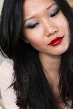messy wands.  guerlain ecrin 4 couleurs in les gris, chanel rouge allure laque in dragon. tdf.